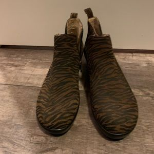 Women's Algeria animal print boot. Size 38 or 9.